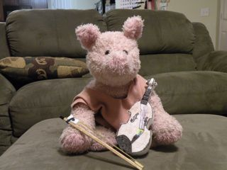 piggy with violin.jpg